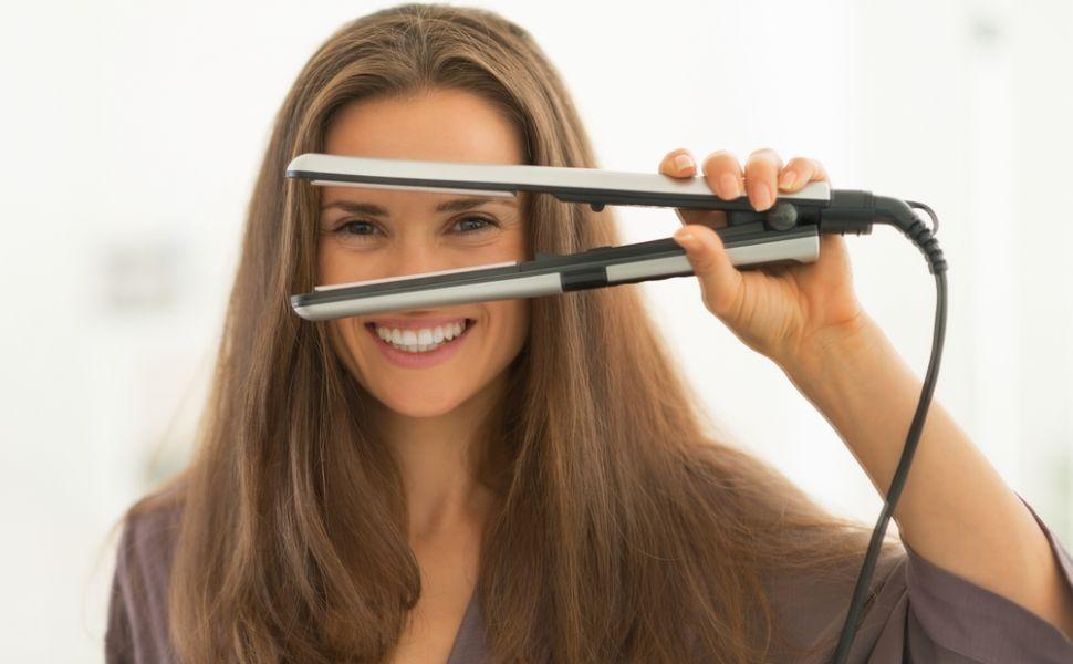 Asa se intinde corect parul cu placa. 10 sfaturi care le ajuta pe femei sa obtina coafura perfecta