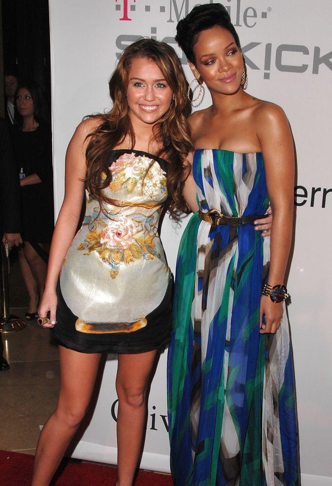 Miley Cyrus recunoaste ca are fantezii cu Rihanna. Ce moment demn de filmele pentru adulti le-ar putea oferi cele doua fanilor