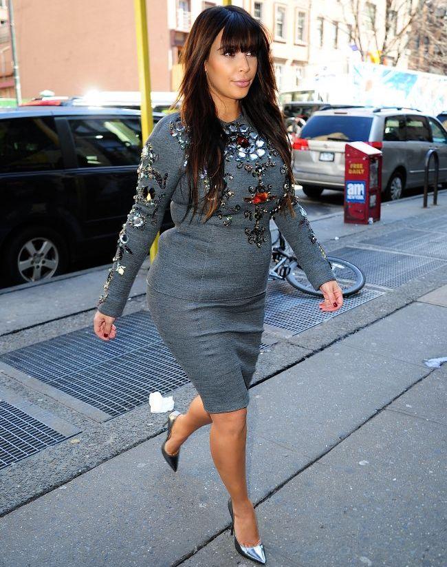 Kim Kardashian, nemultumita de burta ei intr-un episod de senzatie al reality show-ul care a facut-o star:  Cum am ajuns sa arat asa?