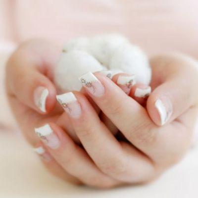 Vrei sa ai unghii perfect sanatoase? Respecta aceste 5 reguli simple si eficiente