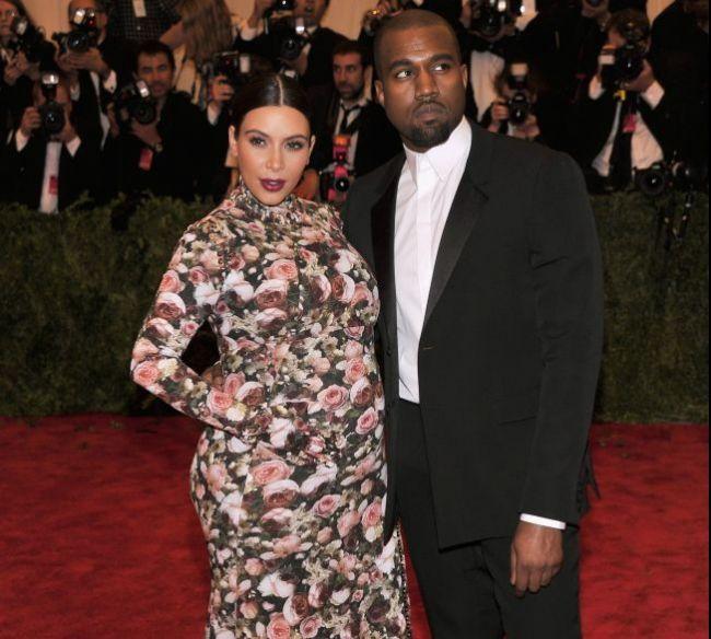 Kanye West a cerut-o de sotie pe Kim Kardashian. Ce cadou luxos i-a facut rapper-ul dupa nastere si unde va avea loc nunta