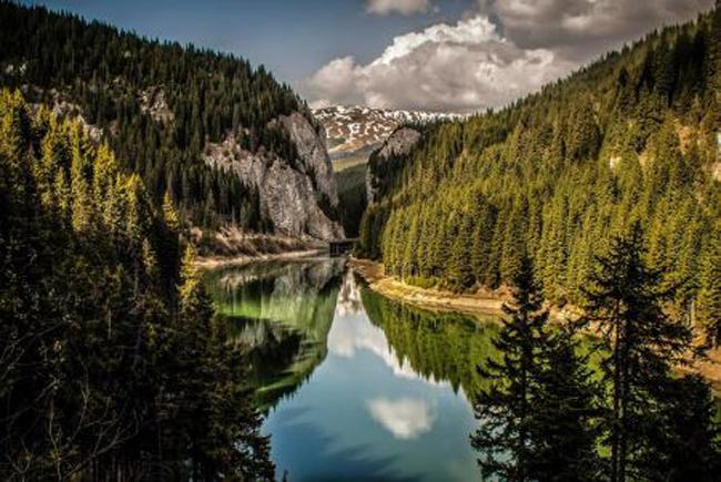 Lacuri misterioase din tara, oaze de liniste la buget redus