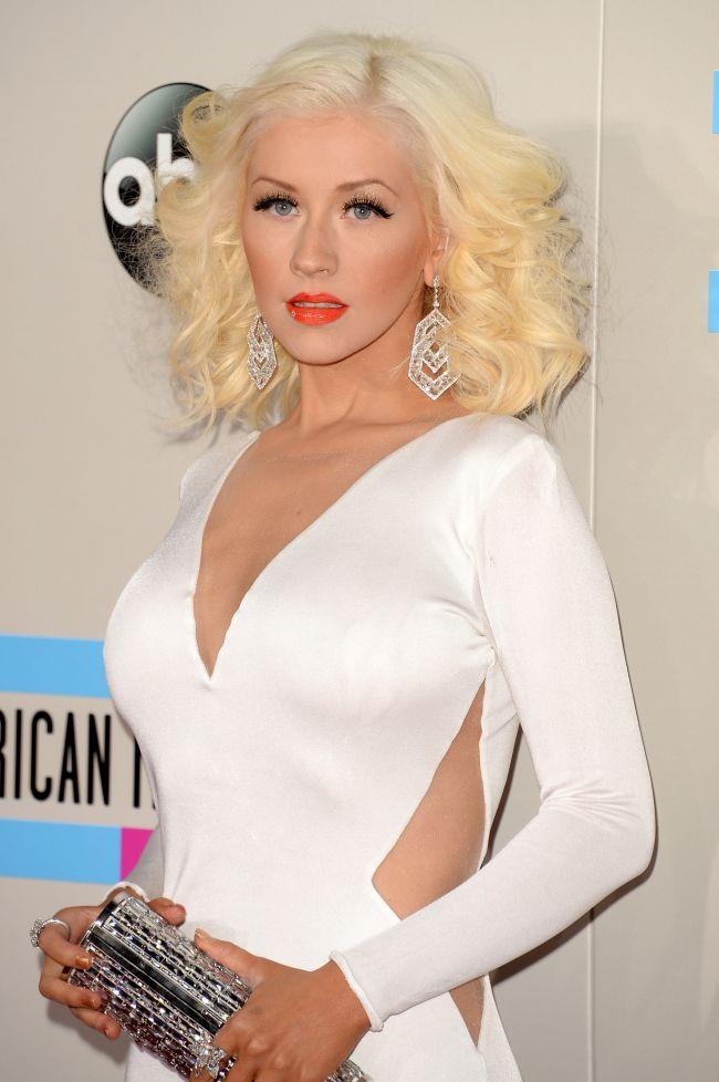 Christina Aguilera Stralucitoare Pe Covorul Rosu De La