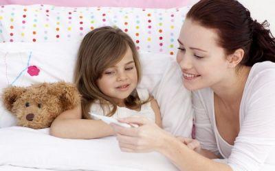 Febra la copii. Cand tratam febra acasa si cand chemam medicul