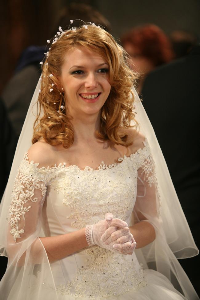 paula pasca azi e nunta mea maicuta