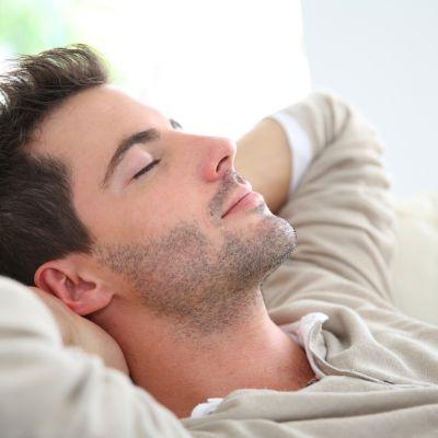 7 lucruri atractive pe care barbatii le fac fara sa realizeze