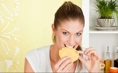 5 motive pentru care trebuie sa mananci ananas mai des. Vezi ce beneficii pentru sanatate are acest fruct