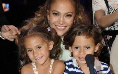 Ar putea fi cei mai rasfatati copii din lume, insa Jennifer Lopez le-a dat o lectie. Cum isi educa artista gemenii