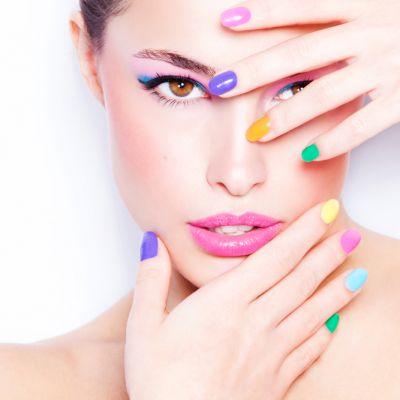 Rotunde, patrate, ovale? Ce spune forma unghiilor tale despre personalitatea ta