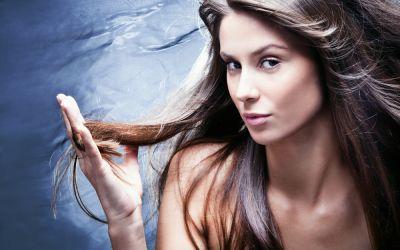 Top 3 procedee de styling care iti deterioreaza cel mai tare parul
