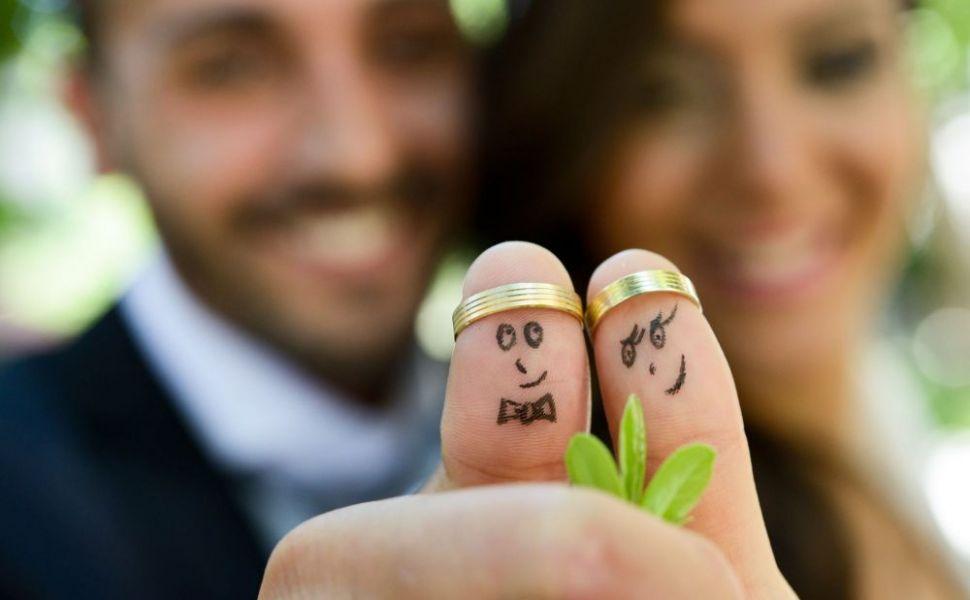 De ce este purtata verigheta pe degetul inelar