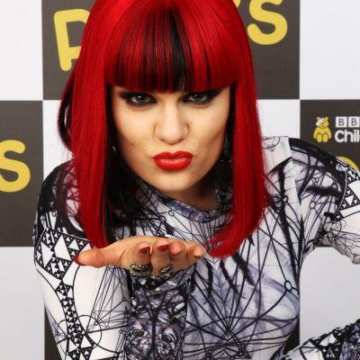 Imaginile care nu o avantajeaza deloc pe Jessie J. Cum au reusit sa o fotografieze paparazzi