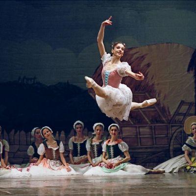 Femei in CTRL: Simona Noja, romanca pe care austriecii o considera steaua baletului clasic. Cum a ajuns sa  redea frumosul  pe cele mai prestigioase scene din lume INTERVIU EXCLUSIV
