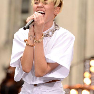 Lui Miley Cyrus i s-a intamplat ceva grav. Vestea s-a raspandit in presa cu viteza fulgerului