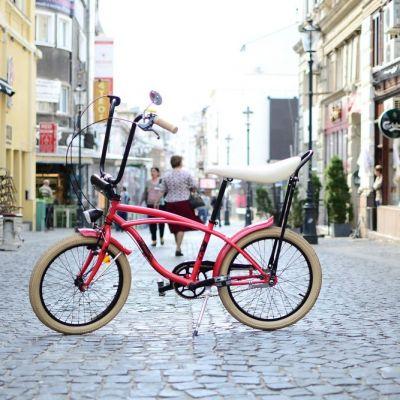 Centrul Vechi, dincolo de baruri si restaurante. Ce poti vedea printr-un tur cu bicicleta (P)