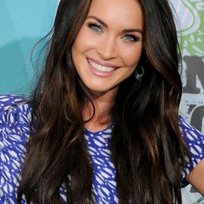 Schimbare spectaculoasa de look pentru Megan Fox. Cum arata blonda si cu parul scurt