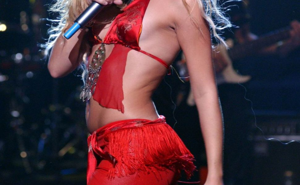Shakira - diva latino cu IQ de geniu, care hipnotizeaza prin miscari senzuale. Cum si-a construit o cariera de succes