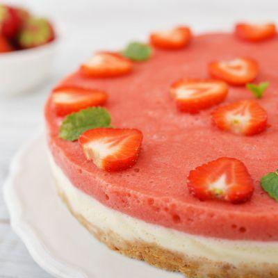 Reteta cheesecake cu capsuni fara coacere. Prepara un desert delicios intr-un timp foarte scurt