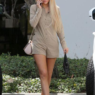 De la bruneta, la blonda fatala. Cum arata, mai nou, sora mica si dezinhibata a lui Kim Kardashian
