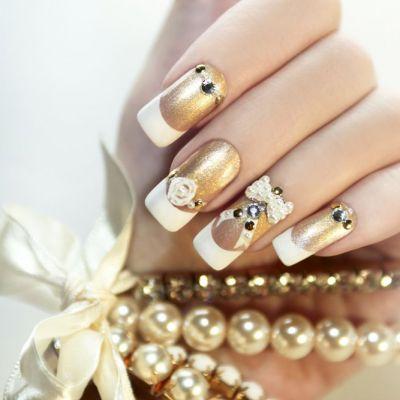 Manichiura pentru Revelion. Cum sa-ti faci unghiile pentru a fi atractia petrecerii de Anul Nou