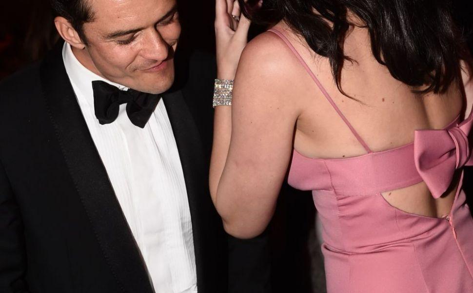 Se naste o idila? Katy Perry si Orlando Bloom, surprinsi flirtand la petrecerea de dupa Globurile de Aur