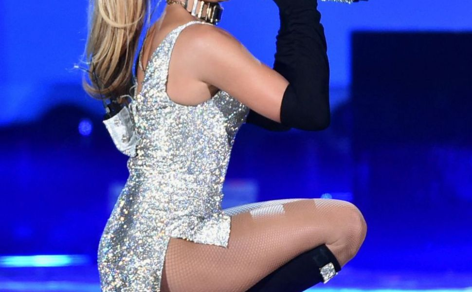 Data de gol de propria antrenoare. Ce face, de fapt, Jennifer Lopez, pentru a arata ca o adolescenta la 46 de ani