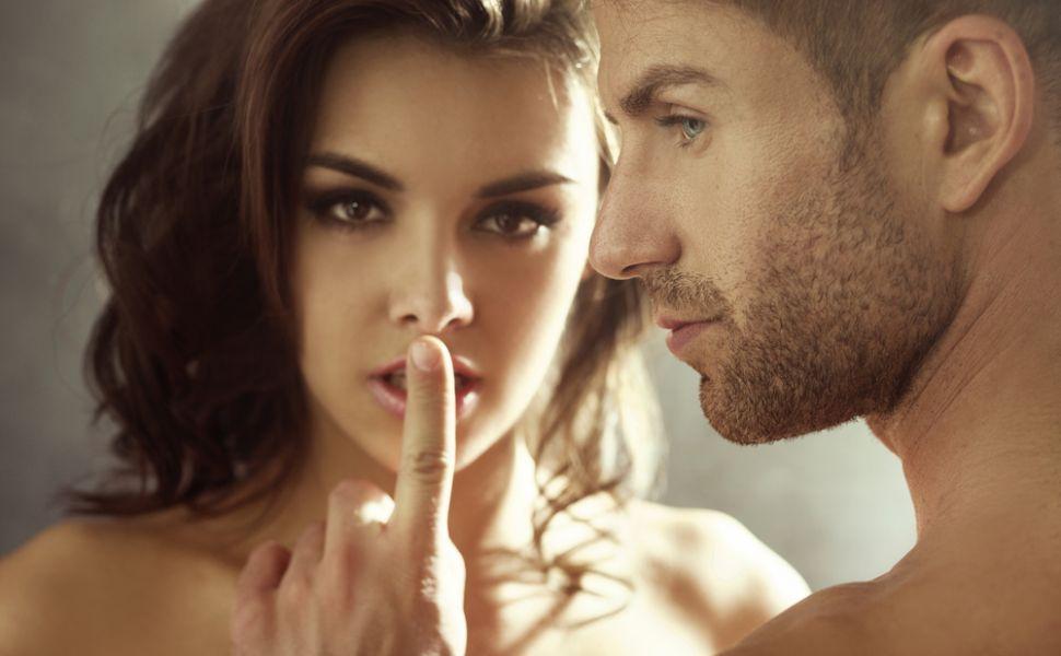 Cele 5 reguli din amor pe care femeile se bucura ca le-au incalcat. Tu ai avut curajul sa o faci?