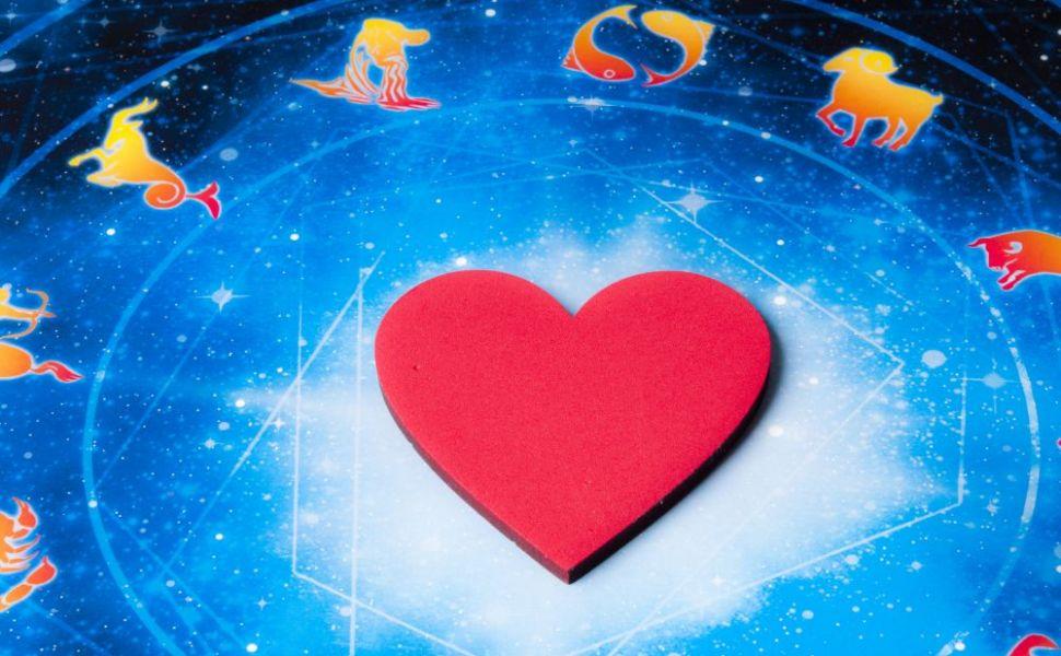Horoscop zilnic 3 februarie 2016. Racii vor sa se rasfete, iar Balantele sunt intr-o dispozitie proasta