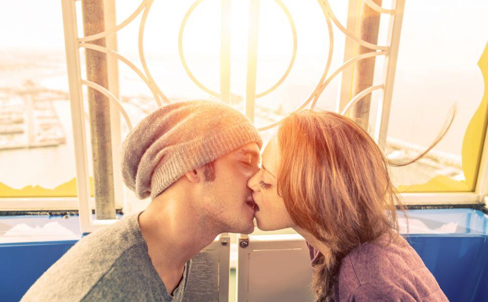 Invata sa-l saruti ca o profesionista. Trucuri pentru un french kiss perfect
