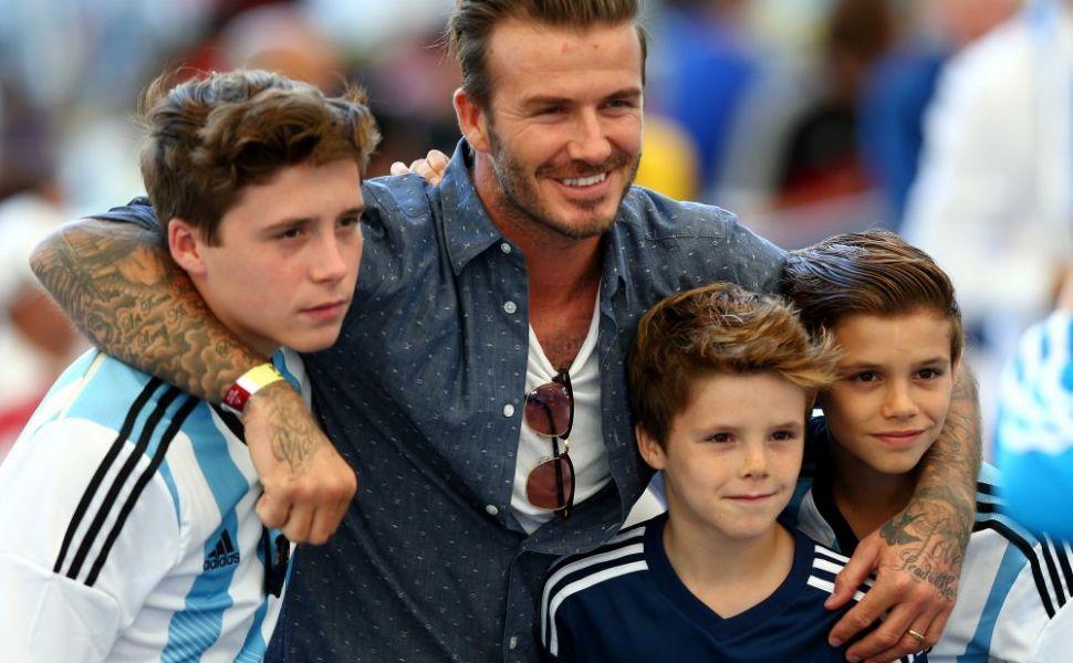 Pustoaicele, topite dupa el! Brooklyn Beckham are toate sansele sa il intreaca pe David in topul celor mai cool barbati