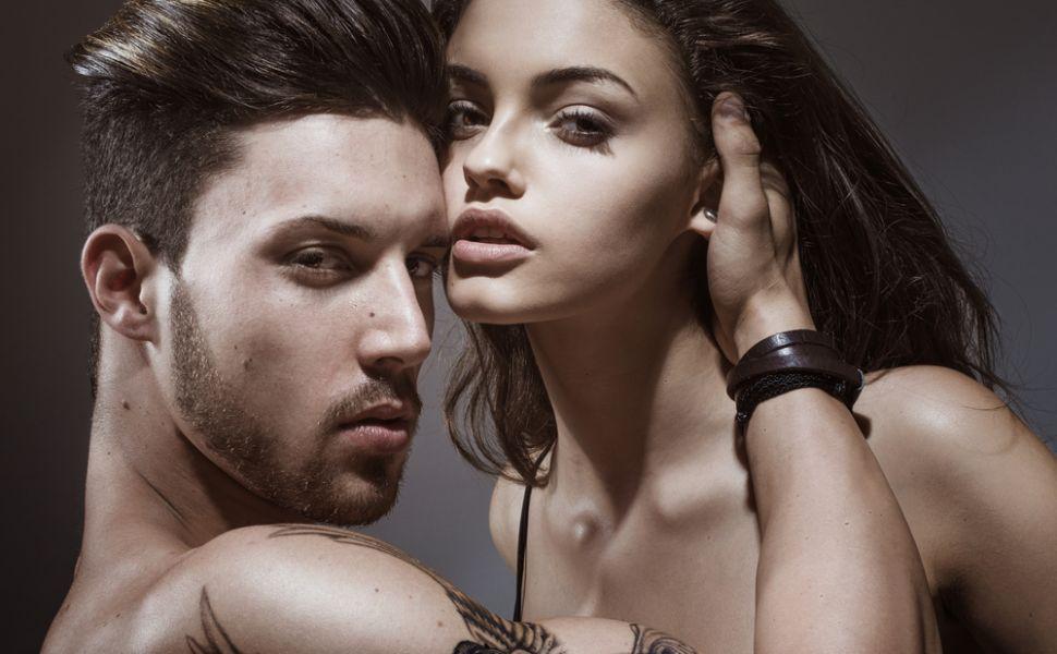 7 trucuri prin care poti sa seduci un barbat fara sa te straduiesti :) Cum il poti avea la picioare cu minimum de efort