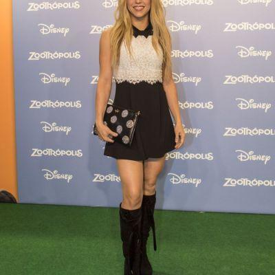 Shakira, sexy intr-o rochie scurta, care ii pune in valoare picioarele. Cat de bine a aratat vedeta la un eveniment
