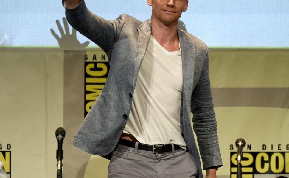 A devenit un barbat fatal! Transformarea remarcabila pe care a suferit-o Tom Hiddleston: cum arata abdomenul actorului