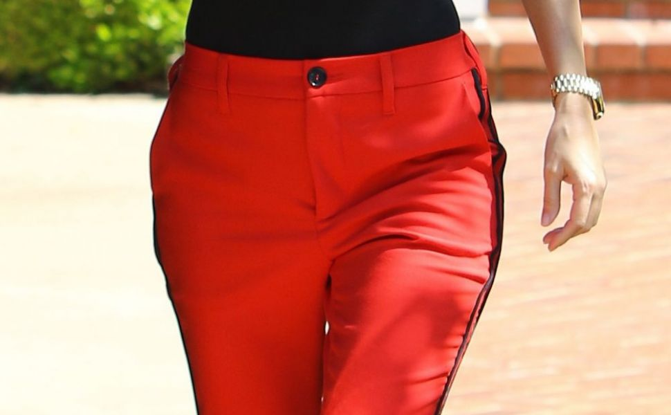 Hot mama! Kourtney Kardashian, incredibil de sexy intr-o tinuta pe care o poti crea si tu