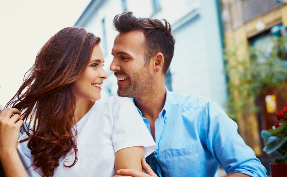 Intrebari pe care barbatii isi doresc ca femeile sa aiba curajul sa le puna in relatie... dar ele nu o fac