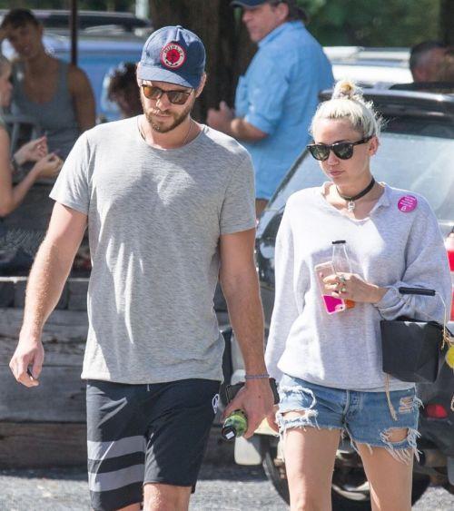 Miley Cyrus si Liam, la intalnire cu familia actorului. Cum au fost fotografiati cei doi