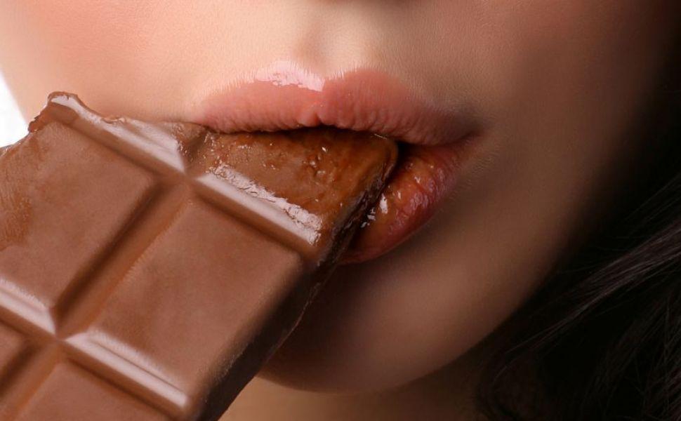 Cum scapi de dependenta de ciocolata. Solutia propusa de specialistii in nutritie