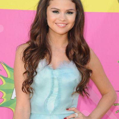 Selena Gomez, cea mai seducatoare aparitie in costum de baie din 2016. Cu ce imagine si-a cucerit fanii