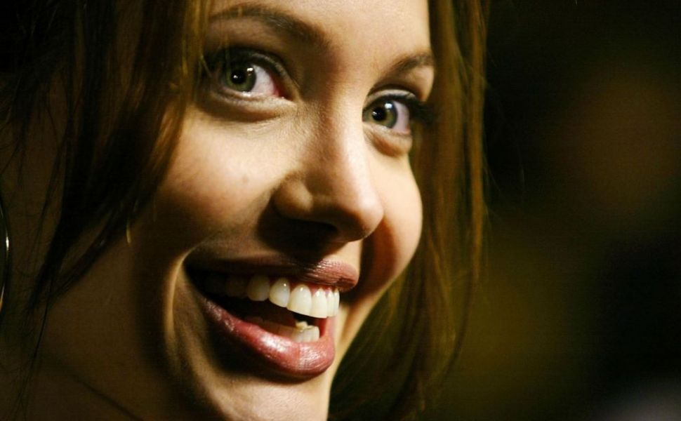 Angelina Jolie, regina extremelor. Marile secrete ale faimoasei actrite si transformarea sa. Imagini spectaculoase