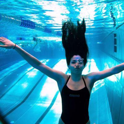 Yusra Mardini va inota de placere la Rio de Janiero, dupa ce in urma cu un an a inotat pentru a-si salva viata
