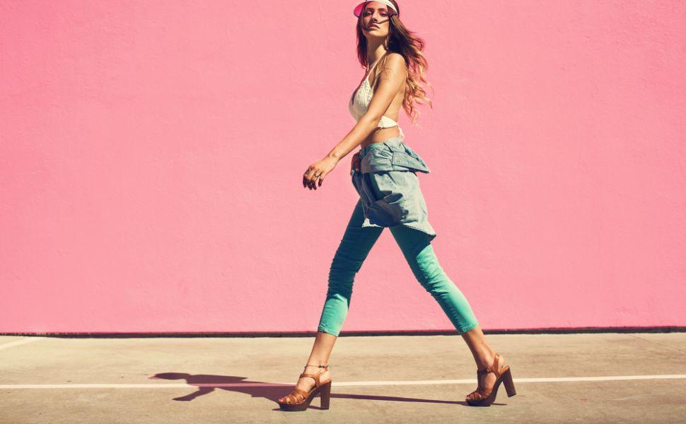 10 piese vestimentare care nu se demodeaza niciodata. Hainele in care merita sa investesti