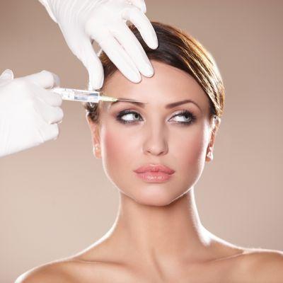 Dezvaluiri din cabinetul unui chirurg estetician: ce operatii isi fac cel mai des romancele si ca ce vedete vor sa arate