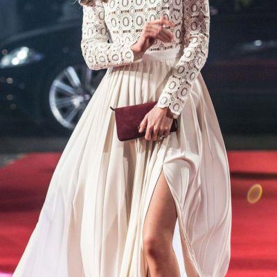 Kate Middleton, look de fotomodel. Ducesa a fost superba in cea mai indrazneata rochie purtata in ultimii ani