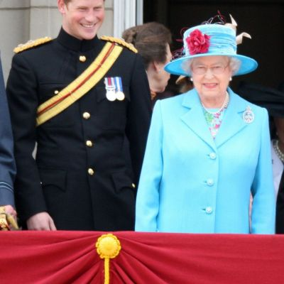 Putini s-ar fi asteptat. Ce parere are cu adevarat Regina Angliei despre iubita Printului Harry, Meghan Markle