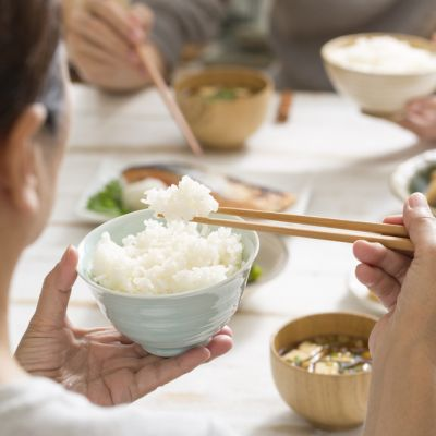 Dieta cu orez. Slabeste 10 kilograme pe luna cu unul din cele mai eficiente regimuri alimentare