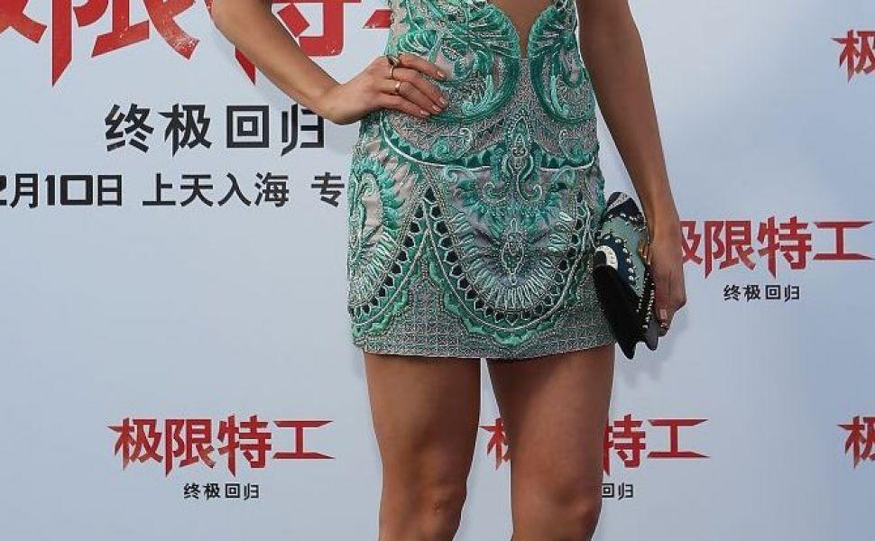 Nina Dobrev, mai sexy ca niciodata. Cum arata rochia ultra scurta cu care si-a facut aparitia la un eveniment