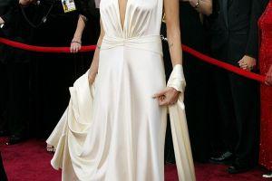 Evolutia Angelinei Jolie pe covorul rosu la Premiile Oscar. Cum arata la numai 10 ani, la prima ei aparitie