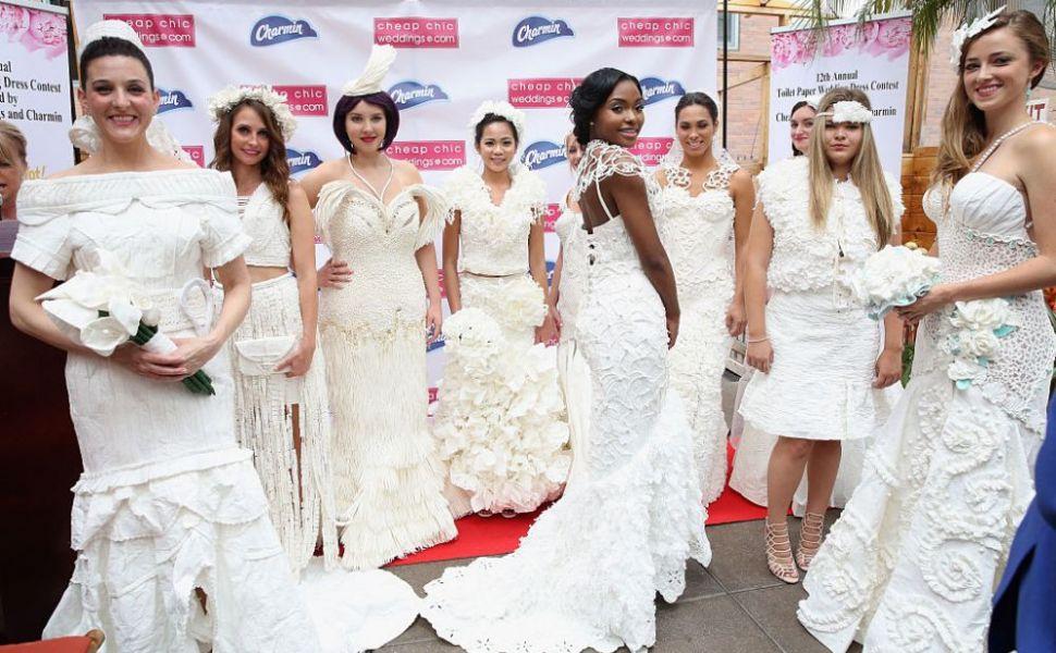 5 rochii de mireasa despre care habar n-aveai ca sunt facute din hartie igienica