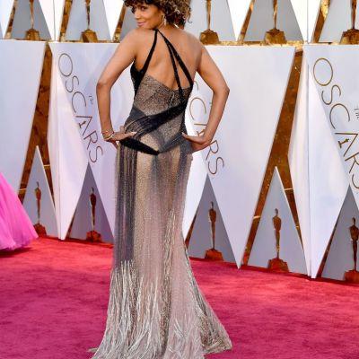 Halle Berry, super sexy la 50 de ani. Cum arata una dintre cele mai dorite actrite din lume