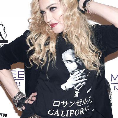 S-a aflat secretul sprancenelor Madonnei. La ce tehnica dureroasa apeleaza pentru a arata cu 10 ani mai tanara